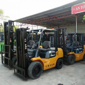 Xe nâng dầu cho thuê tại khu vực quanh HCM
